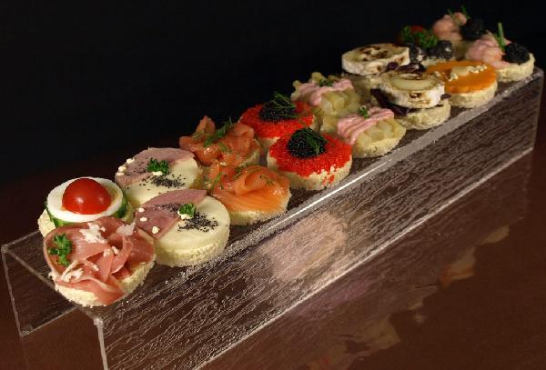 Canapes assortis boulangerie julien paris for Cailles sur canape